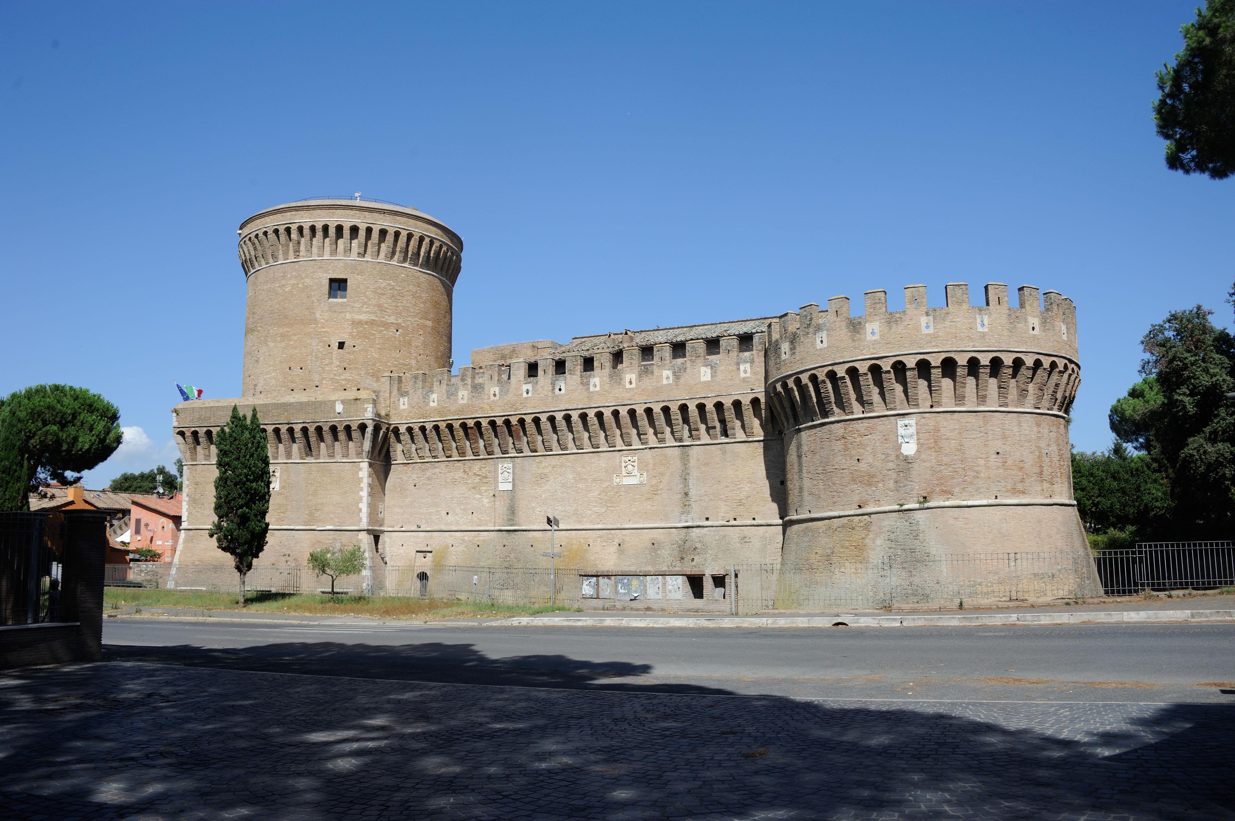Tour guidato al Castello di Giulio II ad Ostia antica (Roma)