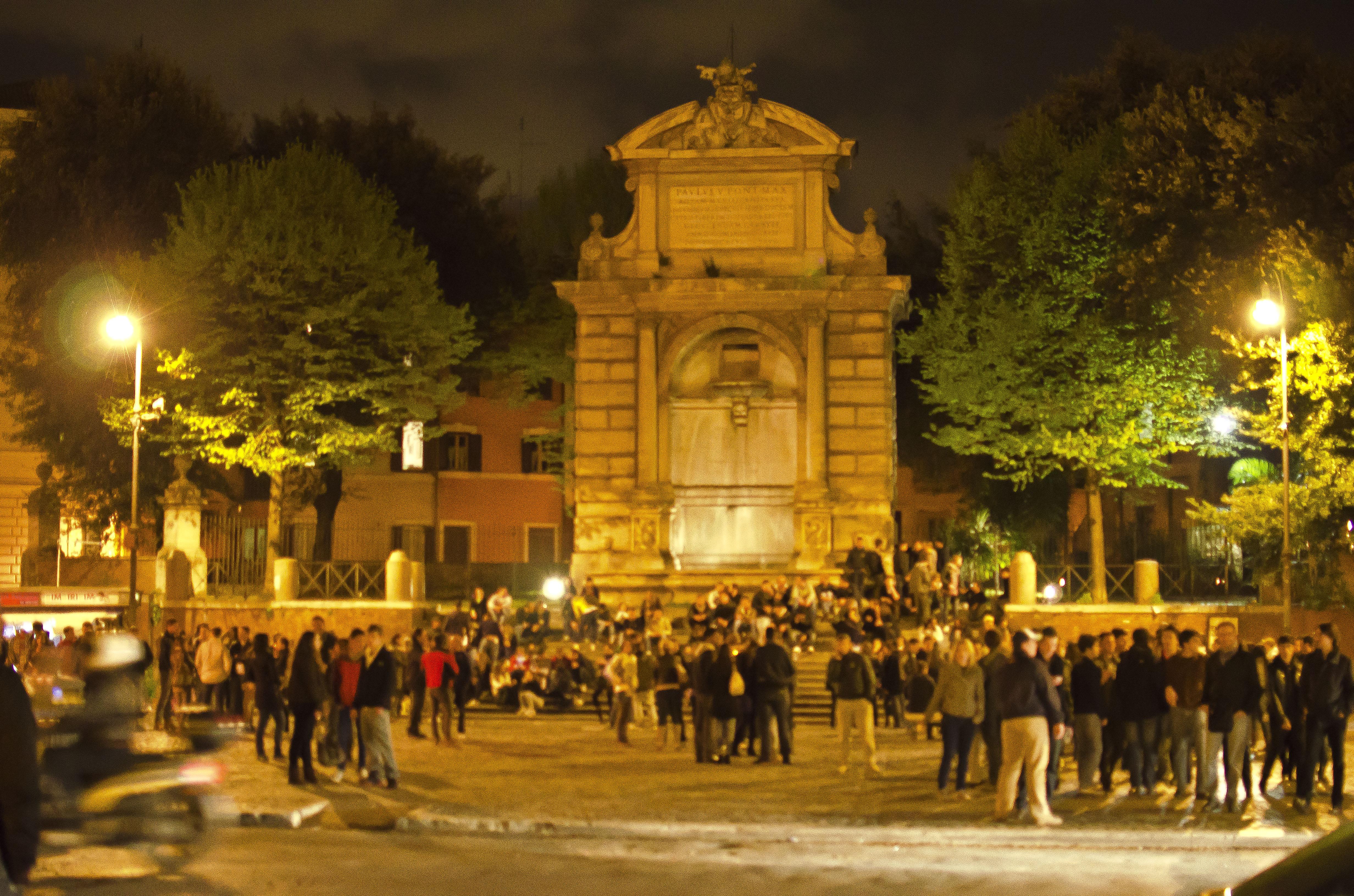 visita guidata notturna a Trastevere da Piazza Trilussa all'isola tiberina