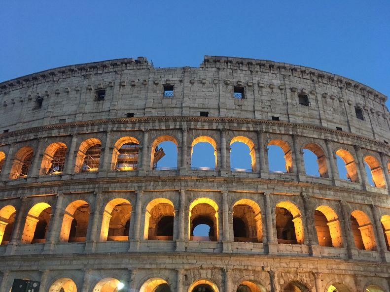 Visite guidate serali ai fori imperiali e al Colosseo