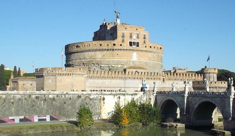 Visita guidata a Castel Sant'Angelo, con l'ingresso in esclusiva al Passetto di Borgo!
