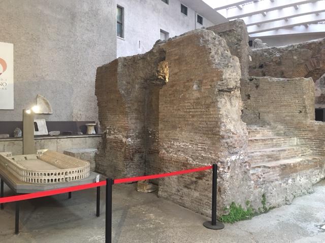 Visita guidata sotterranei di Piazza Navona, con l'illustrazione dei resti dello stadio di Domiziano
