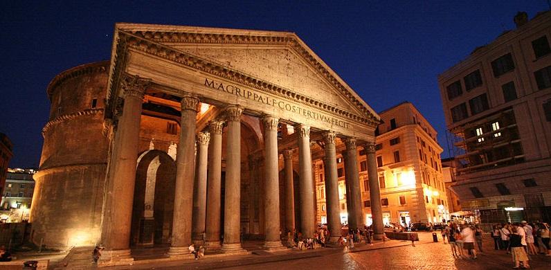 Passeggiata guidata serale sui Fantasmi di Roma, dal Pantheon a Castel sant'Angelo